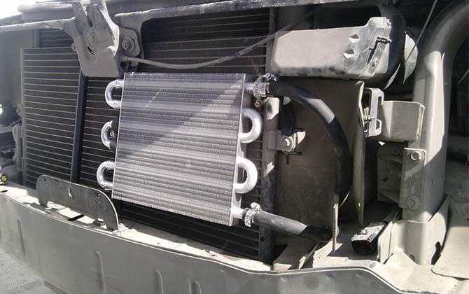 Установлен дополнительный радиатор на коробку