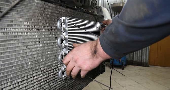 Дополнительный радиатор на автомобиль