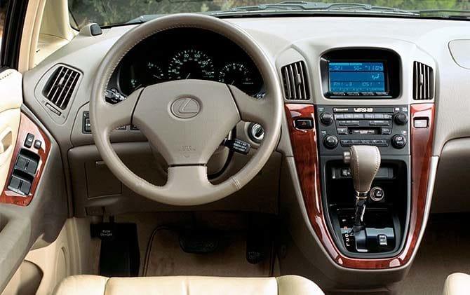 Интерьер Lexus Rx 300