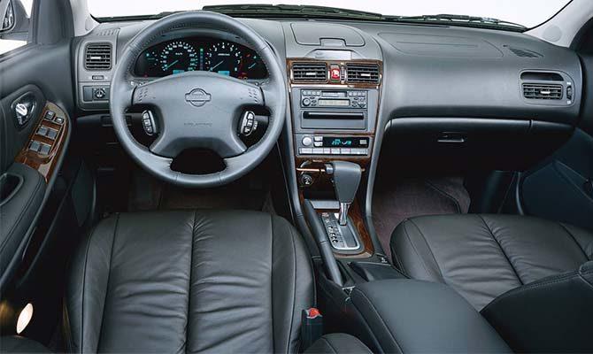 Nissan Maxima QX салон